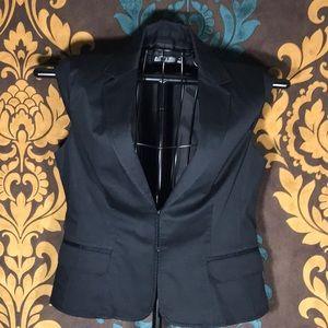 L👀K NEW YORK & COMPANY Short Sleeve Blazer